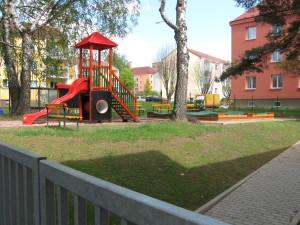 Školní zahrada malá