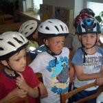 Příprava před jízdou na kolech a koloběžkách